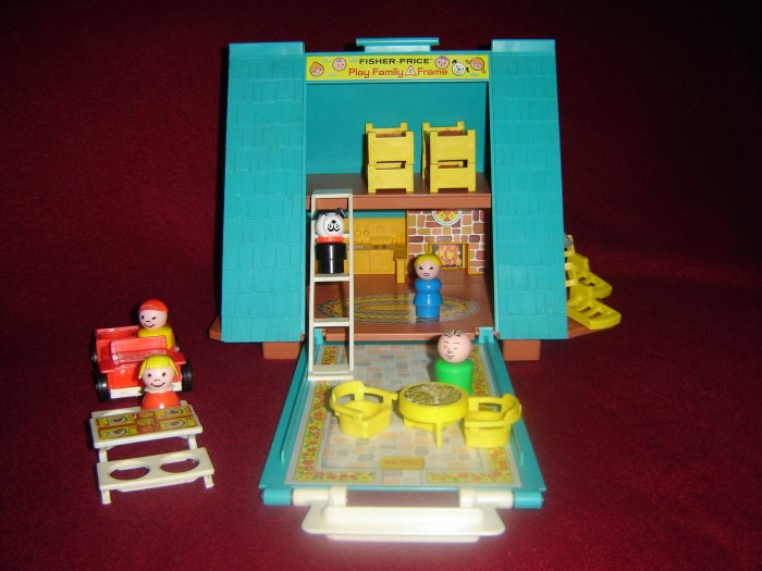 Vintage Fisher Price Little People Play Family A Frame House 990 Complete Original Box AFrame