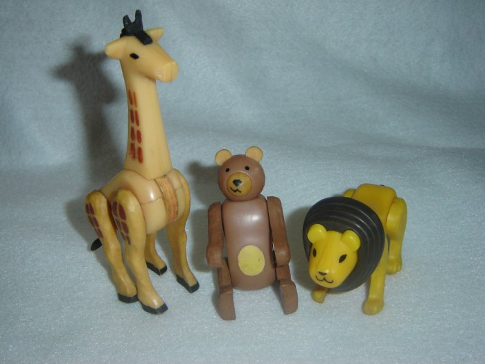 Lot of 3 Vintage Fisher Price Little People Animals Bear Giraffe and Lion for Circus 135 or Zoo