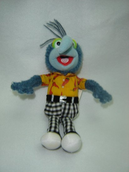 2004 Jim Henson Company Plush Muppets GONZO Doll Figure By Sababa Toys 9 Inches
