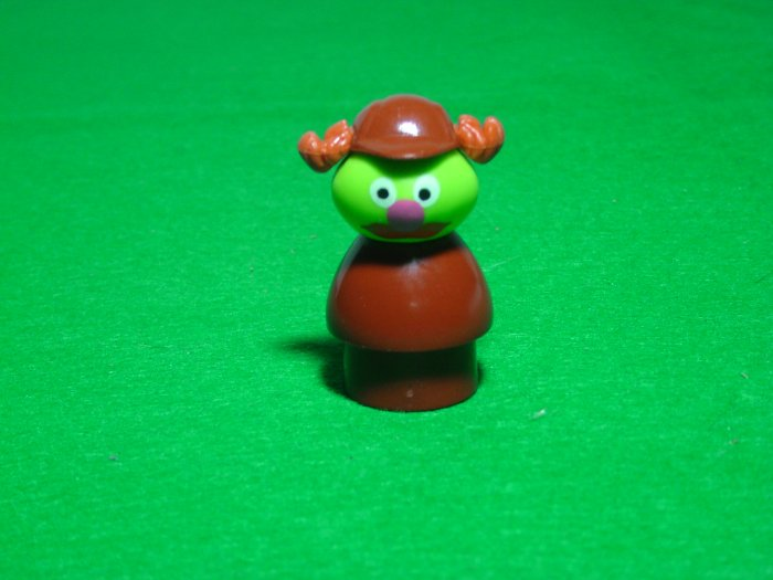 MINT Vintage Fisher Price Little People Sherlock Hemlock From The 940 938 Sesame Street Set