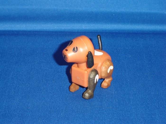 Vintage Fisher Price Little People Play Family Farm Barn HEX Screw DOG One Dark Brown Leg