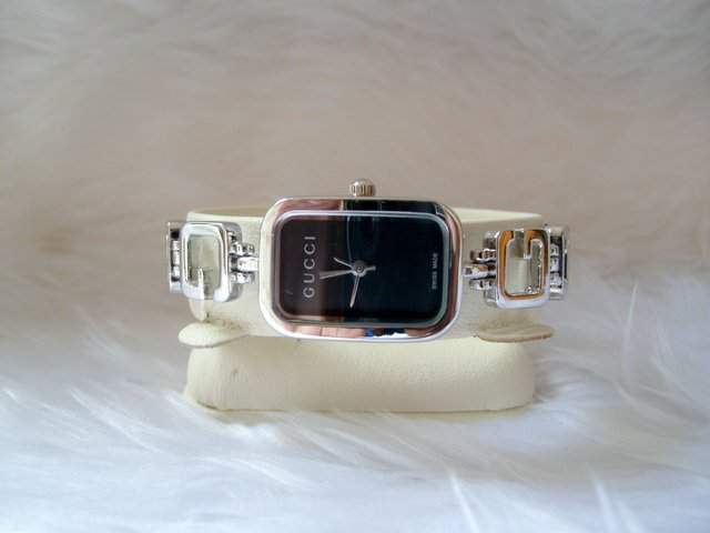 New Gucci Ladies Wristwatches Black Dial