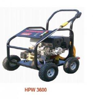 Hyundai HPW3600 389cc 3,600 RPM 3600 PSI Pressure Washer w/ 13 HP and 18 L/min Flow