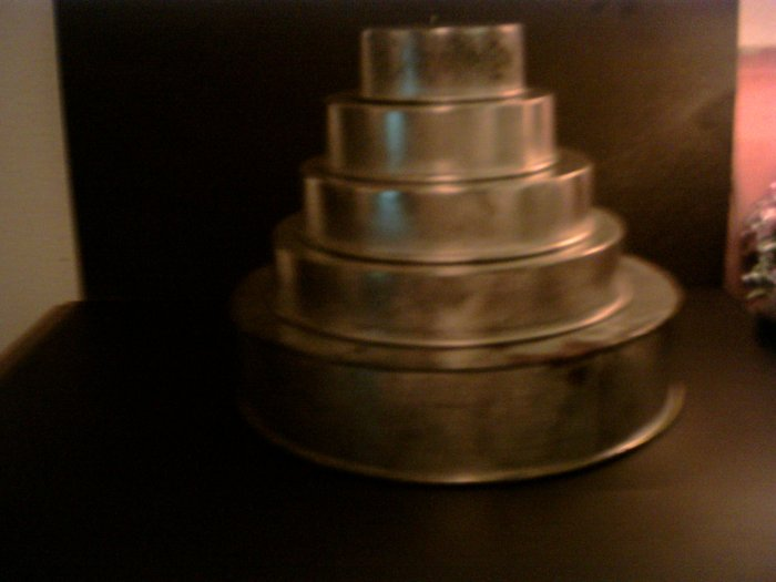 5 tiered Wedding Cake Pans -- Round *