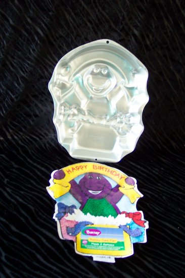 Barney Cake Pan -- by Wilton -- 2105-3450 -- 1998 *