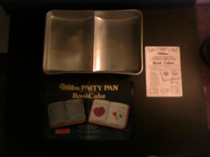 Book Cake Pan -- by Wilton -- 502-7466 -- 1977 *