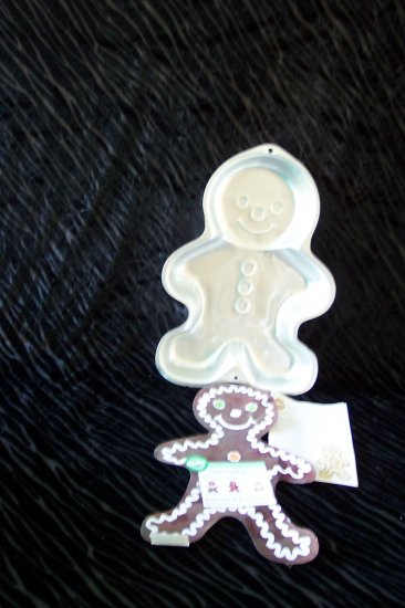 GingerBread Boy Cake Pan -- by Wilton -- 2105-3313 -- 1998 *