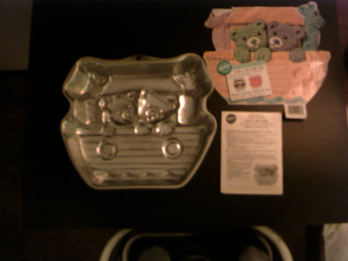 Noah's Ark Cake Pan -- by Wilton -- 2105-2026 -- 1999 *