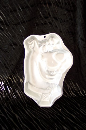 Scooby Doo Cake Pan -- by Wilton -- 2105-3206 -- 1999 *