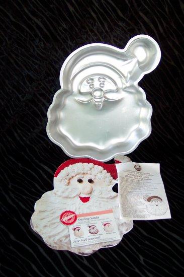 Smiling Santa Cake Pan -- by Wilton -- 2105-3310 -- 1995 *