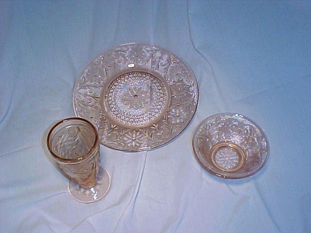 Tiara Glassware -- Sandwich place setting in Peach for 1