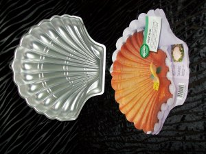 Shell Mold Cake Pan -- by Wilton -- 2105-8250 -- 1989 *