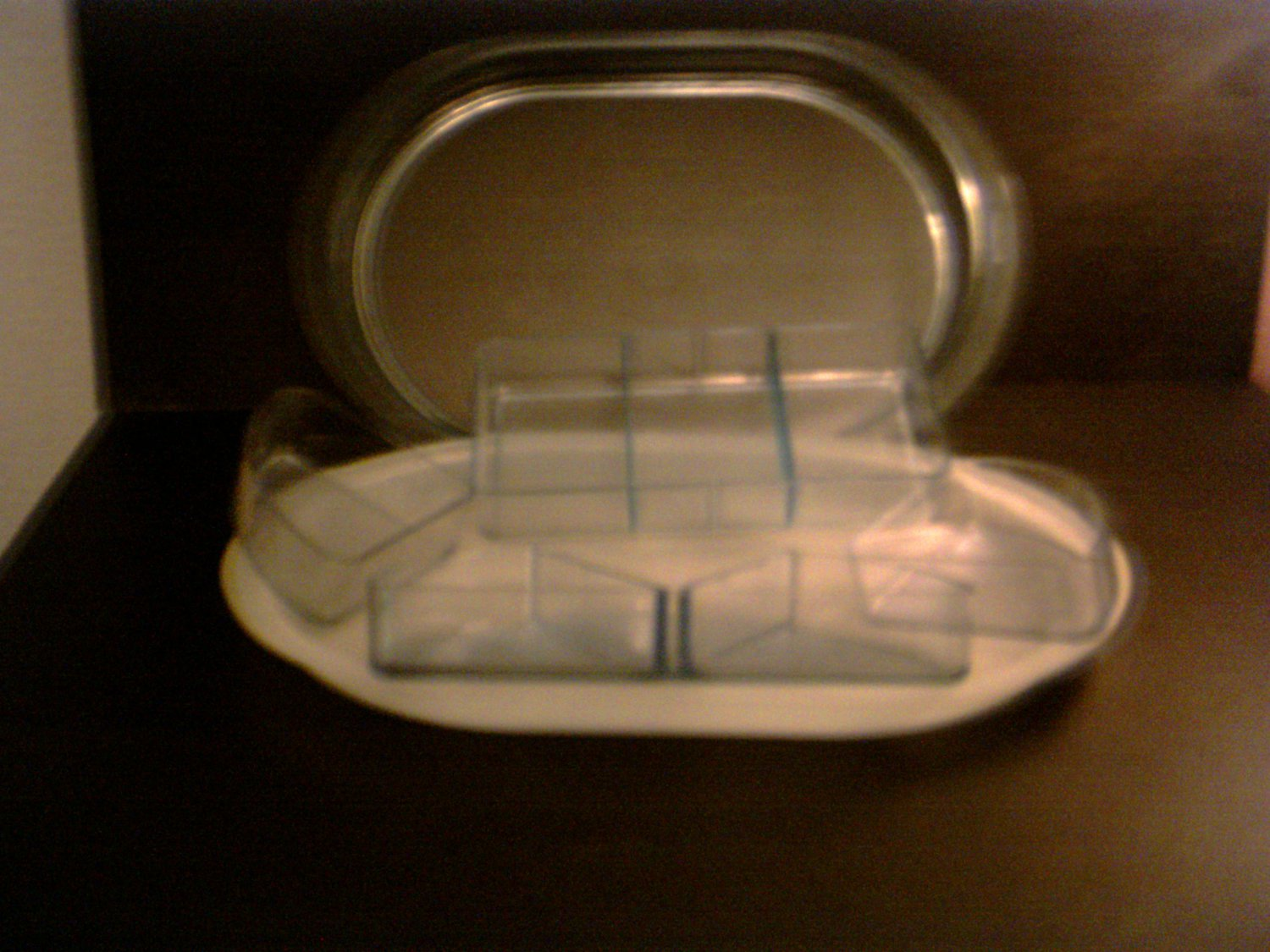 Tupperware -- VEGETABLE TRAY MULTI-SECTION *