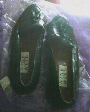 Nine West Black Tassel Loafers size 5 1/2