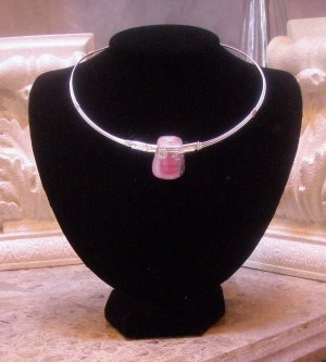 Pink glass wire necklace  0105