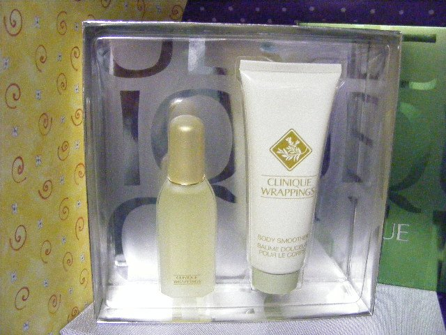 Clinique Wrappings Perfume & Body Lotion Set Boxed Gift Set