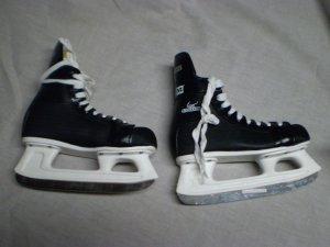 CCM Cyclone 90 Ice Skates