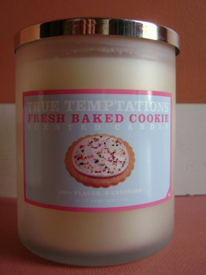 Bath and Body Works Fresh Baked Cookie Candle 22oz. RARE