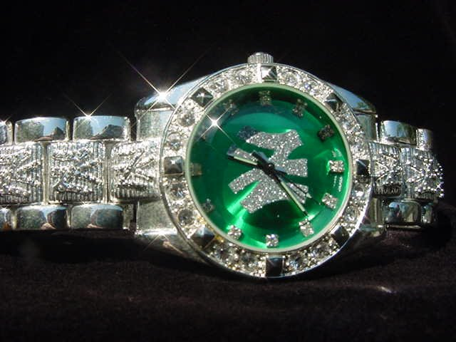 Paved NEW YORK - green background Watch