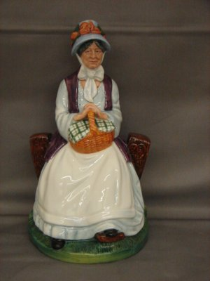 Royal Doulton HN2728 Rest Awhile Lady Figurine