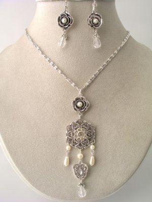 Shell Silver Filagree Crystal Faux Pearl NK & ER Set