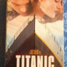 Titanic James Cameron Film Leonardo DiCaprio Kate Winslet Drama Action VHS Video Tape