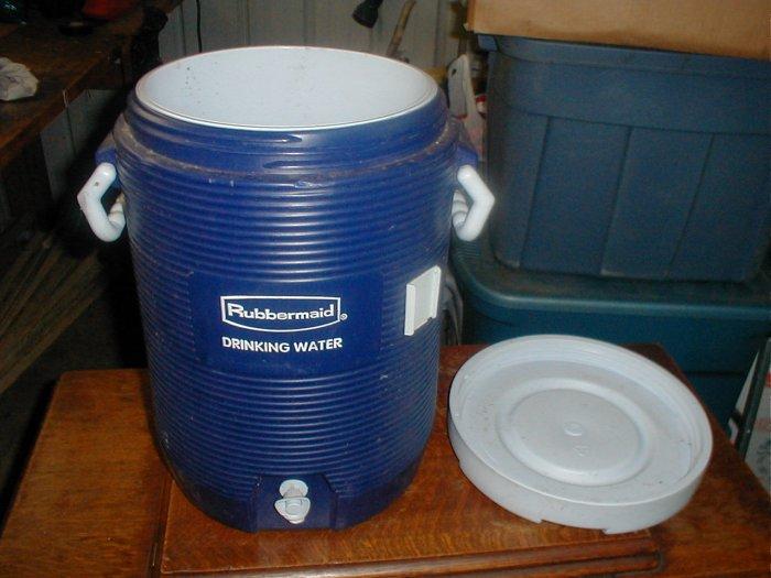 Rubbermaid Cooler