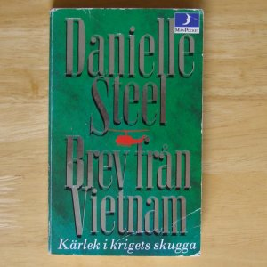 Brev fran Vietnam by Danielle Steel Swedish Message from Nam
