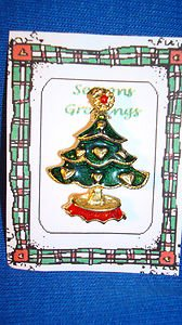 Christmas PIN #0426 Green Christmas Tree Pin~Gold HEART Ornaments~Red Top & Base