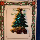 Christmas PIN #0425 Green Christmas Tree Pin ~Red Star, Red & Gold Ornaments