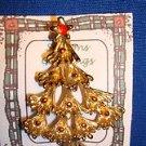 Christmas PIN #0413 Vintage Christmas Tree Goldtone & Red Enamel Ornaments Pin