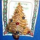 Christmas PIN #0408 Vintage Christmas Tree Goldtone & Enamel Ornament & Red Base
