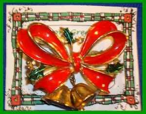 Christmas PIN #0006 VTG Signed JJ Red Enamel Bow~Holly~2 Dangling Goldtone Bells