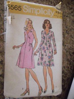 Vintage Simplicity 5565 size 12 1973