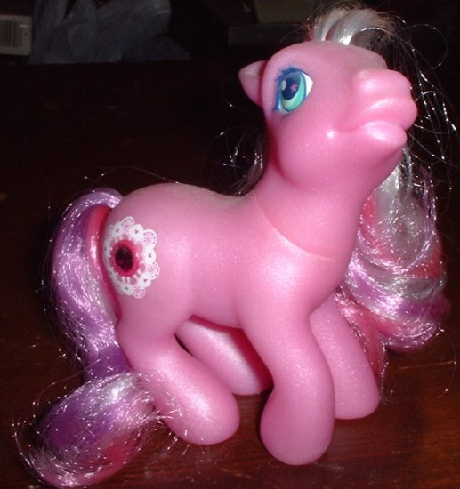 RP - My Little Pony Crystal Lace - 2004 - Friendship Ball Jewel Pony
