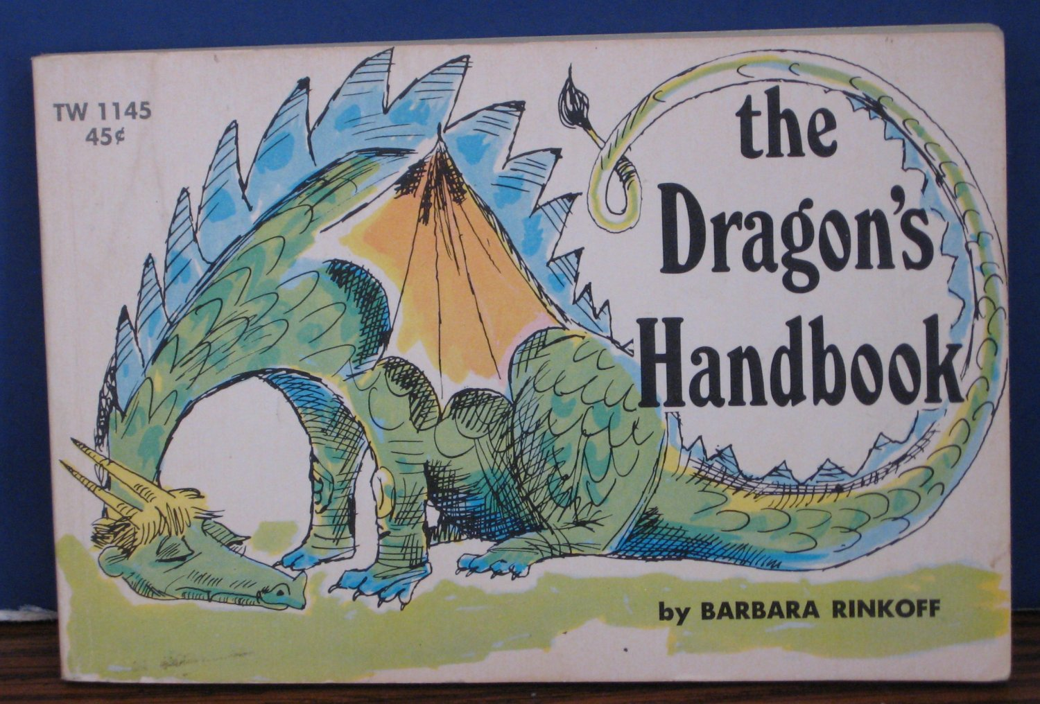 The Dragon's Handbook 1967 Vintage Scholastic Books TW1145 TW 1145