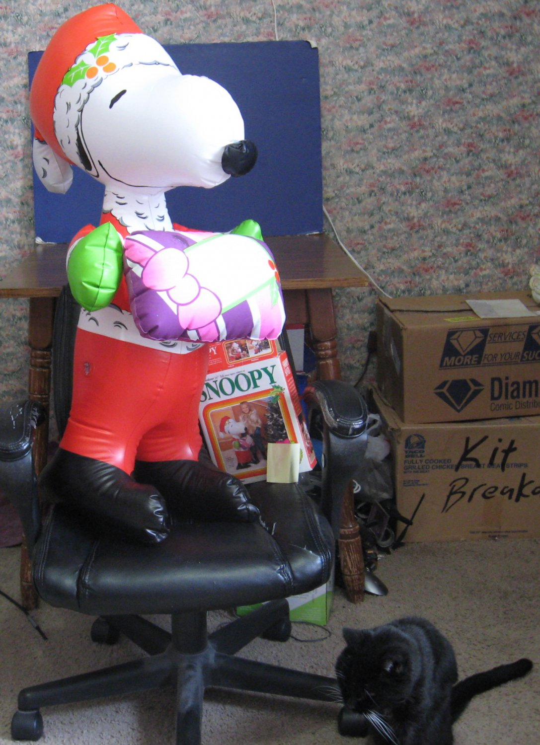 Peanuts Giant Inflatable Vinyl Snoopy As Santa Clause