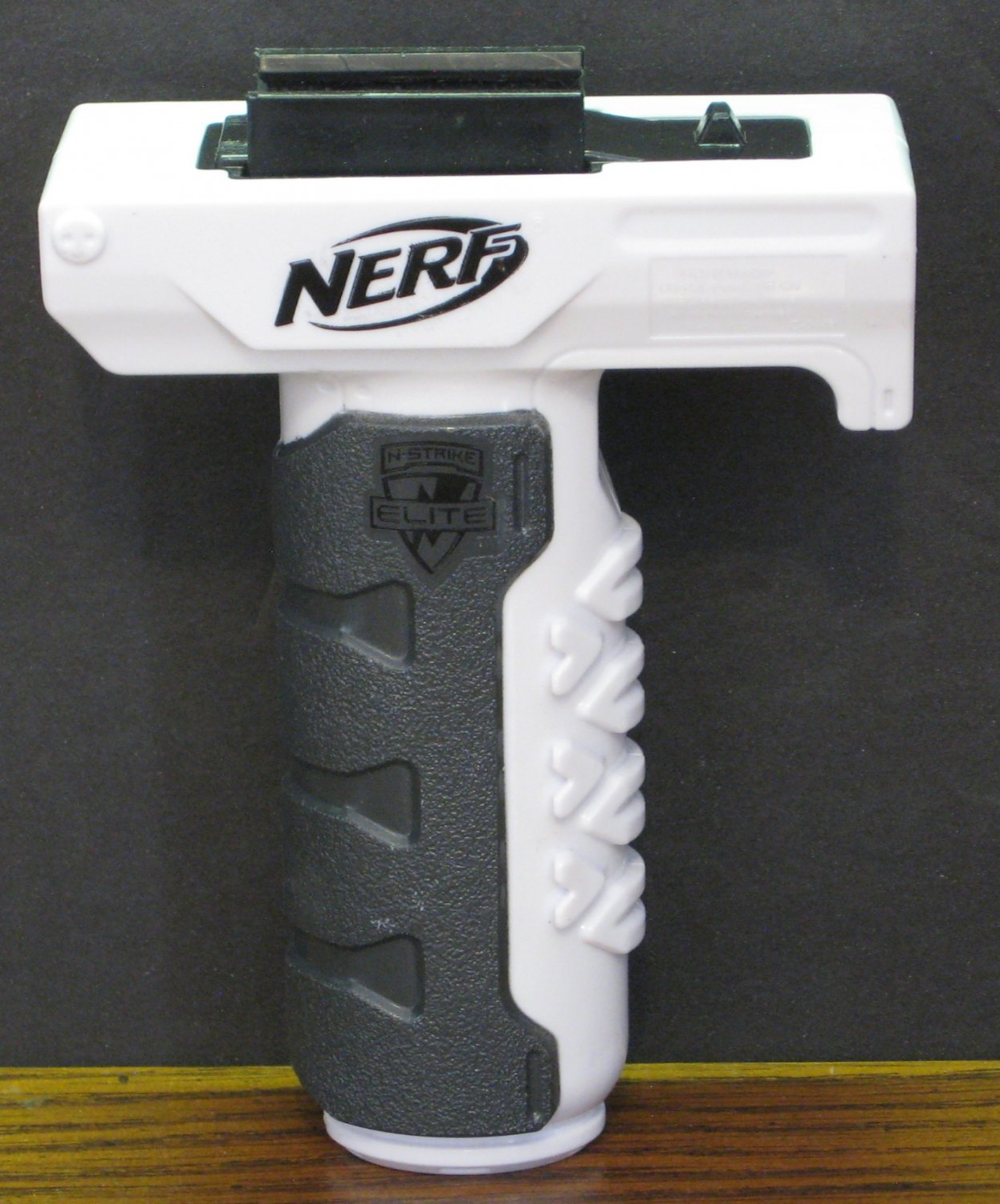 Nerf N-Strike Retaliator Pistol Grip - White Elite XD Edition