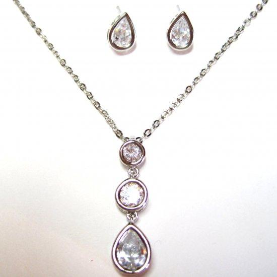 Sparkling Crystal Teardrop Rhodium Pendant Earrings Set NP130