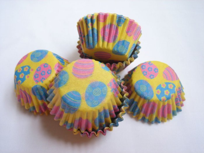 200pcs Mini Paper Cake Cup Easter Eggs Print