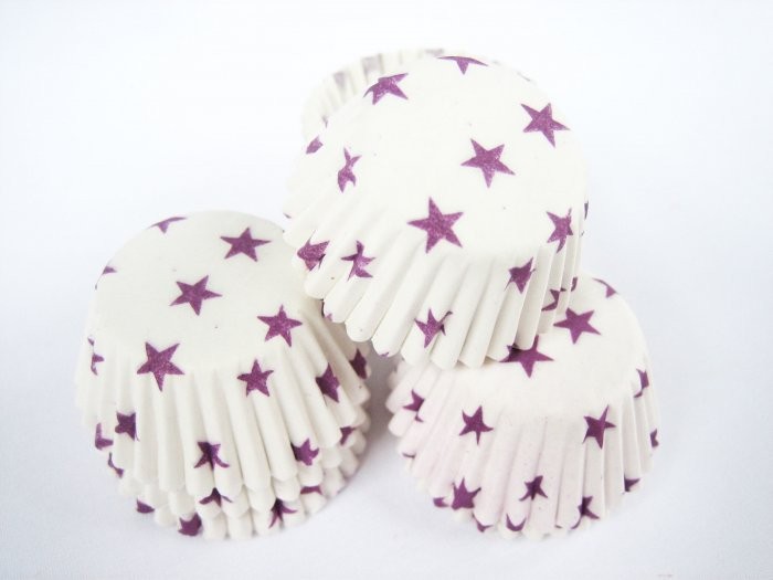 200pcs Mini Paper Cakecups White with Pirple Little Star