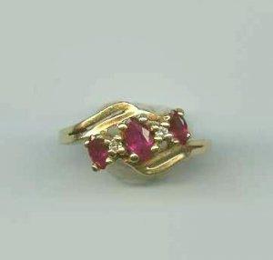 Garnet and Diamond 14K Solid Gold Vintage Ring