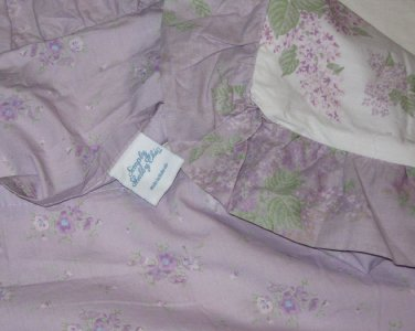 ONE Simply Shabby Chic Sham Lavender Wisteria Floral Standard