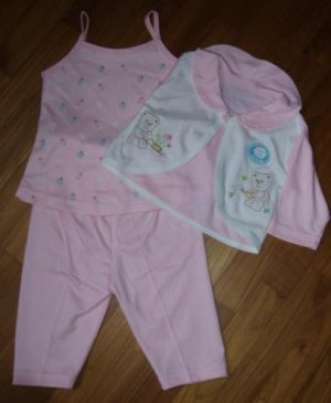 157  Baby 3 piece Clothing Set  - Pink (  Size 6-12 months )