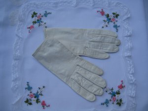 Vintage Child's White Leather Gloves