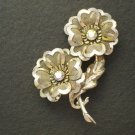 Vintage Brooch Platinum Gold Finish Women's Retro Fashion Jewelry Flowers