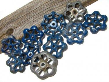 Vintage Cast Iron Outdoor Faucet Handles Spigot Lot 10 Blue Worn Antique Crafts Altered Art Hardware