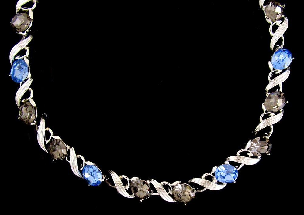 Lisner Blue Ice Smoke Rhinestone Necklace Vintage Designer Prom Bridal Silver 16