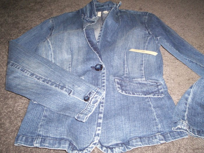 Women's Stonewashed Denim Jacket NWT Retail 44.00