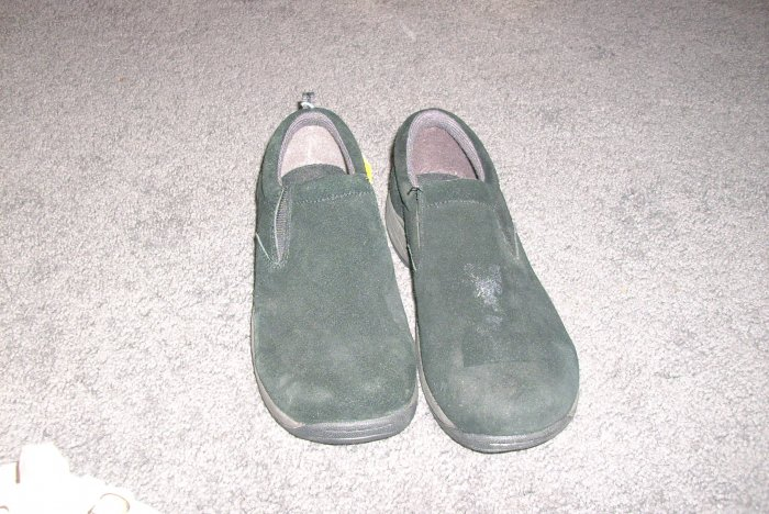 Girls Black Leather Smart Fit slip on shoes size 4